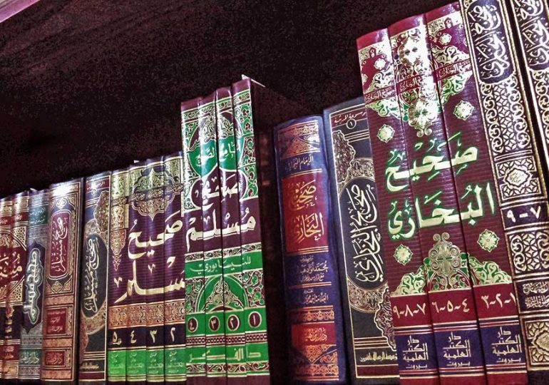 Zakat for poor scholar who owns hundreds of books