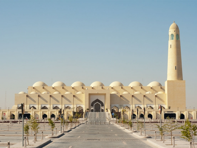 Can woman in menses enter Masjid courtyard?