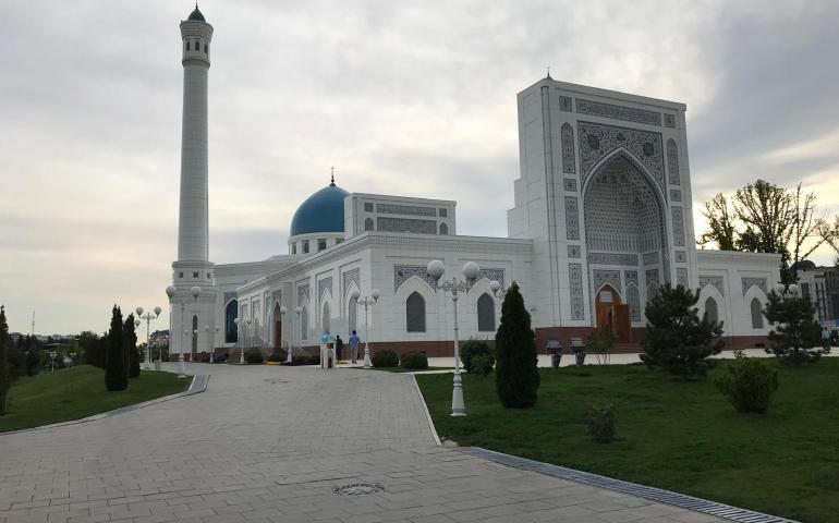 Seven Days in Bukhara and Samarqand with Mufti Taqi Usmani