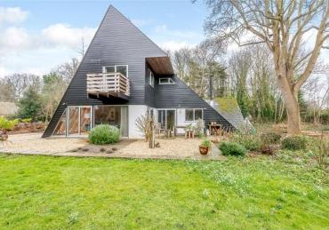 Scalene triangle shaped house