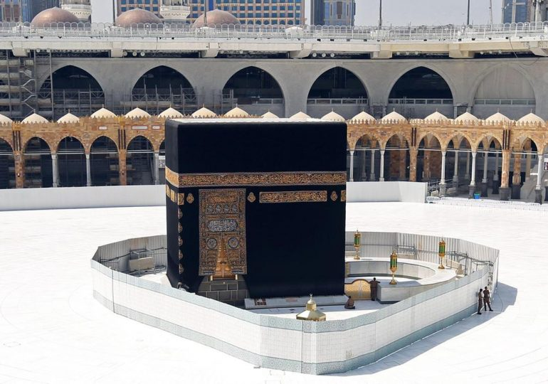 Coronavirus and Umrah: two scenarios